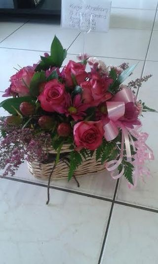 flowers basket maleys flowers port elizabeth 3