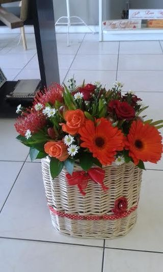 flowers basket maleys flowers port elizabeth 7