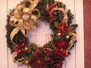 decorating christmas wreaths with ribbon decorations ideas exterior beautiful design captivatinghow to decorate a christmas wreathcontemporary homes designs beautiful bedroom decor
